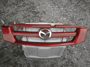 2005 2006 Mazda Tribute front grille