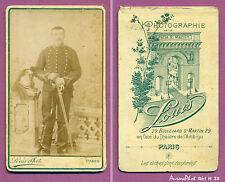 CDV LOUIS À PARIS : MILITAIRE SOLDAT RÉGIMENT DE DRAGONS AVEC CASQUE & ARME -H35