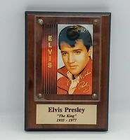 VINTAGE ELVIS PRESLEY COMMEMORATIVE TRADING CARD MOUNTED PLAQUE