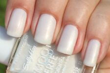 Sally Hansen # 01 Fog Smooth And Perfect Colorcare