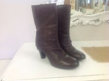 CLARKS BROWN REAL LEATHER CALF HIGH TURN DOWN EFFECT BOOTS. SIZE 5
