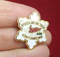 Vintage WONDERLAND SNO TRAILS Burnett County Wisconsin Button Pin Pinback QQ16-1