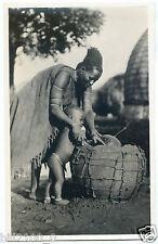 carte photo . femme Zoulou et son enfant . 1934 .