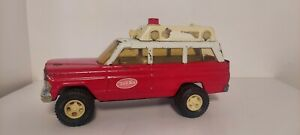 Tonka Rescue Ambulance Wagoneer Red Jeep model #53078.   1970s vintage toy