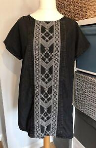 Tu Tunic Dress Size 18 Short Sleeve Embroidered Panel Pintuck Grey Black Cotton