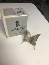 "Superb Retired 4"" Lladro #6703 Butterfly With Flower Figurine Glazed Mint In Box"
