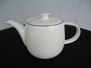 david jones blue & white bone china  teapot 6-8 cup