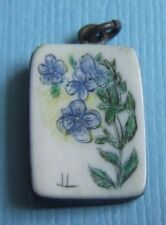Vintage etched blue flowers charm