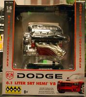 Dodge 6,1 Liter SRT Hemi V 8 Fertigmodell 1:6 Hawk 11070