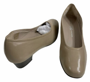 SAS Women Sz 8.5 Heels Italian Beige Leather Regina Pump Slip On Comfort Shoe