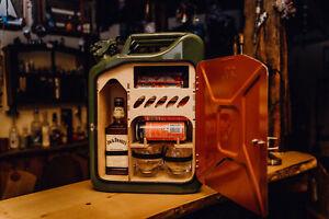 KanisterBAR mit integrierter Bar. Bundeswehr Kanister. Whiskeybar Tragbar