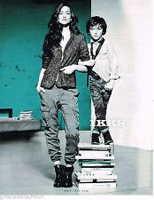 PUBLICITE ADVERTISING 065  2013  IKKS  pret à porter femme garçon