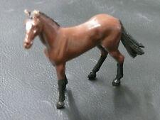 1/32ème BRITAINS : CHEVAL BRUN DEBOUT / BROWN THOROUGHBRED HORSE - Réf 2102