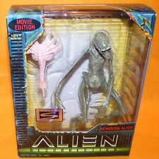1997 KENNER HASBRO ALIEN RESURRECTION NEWBORN ALIEN ACTION FIGURE MOVIE ED BOXED