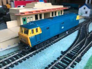 Hornby OO Gauge R758 Class 35 Hymek Diesel BR Blue