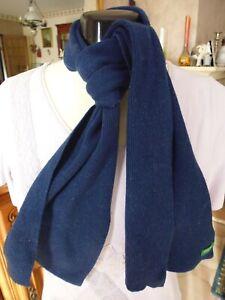 écharpe bleue Benetton 120 x 20 cms