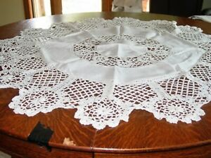 "Vtg.LinenTablecloth WHITE LINEN 42""Rd HAND CROCHET LACE INSERTS!1940 eXCOND!"