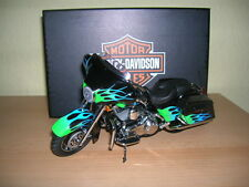 Ertl Harley-Davidson 2008 flhx Street Glide negro verde azul llamas 1:12