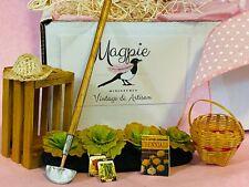 Miniature Dollhouse MAGPIE MINIATURES Vintage & Artisan Garden Decor Box 1:12