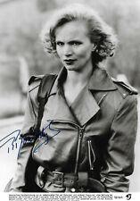Renee Soutendijk Autogramm signed 13x18 cm Bild s/w