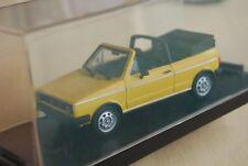 volkswagen golf cabriolet jaune 1/43 détails cars 1er série