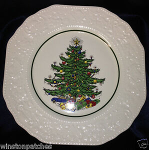 """CUTHBERTSON ENGLAND DICKENS EMBOSSED CHRISTMAS 10 3/4"""" LARGE DINNER PLATE GREEN"""