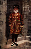 London Great Britain vintage postcard a Yeoman of the Guard Uniform Wachmann