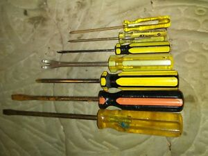 Lot Of 7 Vintage Screwdrivers 3 Flats 3 Philips One Nail Puller