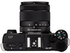 PENTAX Q7 12.4 MP Digital Camera -Black (Kit w/ 5-15mm) Near mint