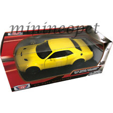MOTORMAX 79350 2018 DODGE CHALLENGER SRT HELLCAT WIDEBODY 1/24 DIECAST YELLOW