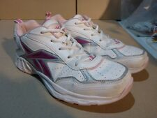 067 WOMENS EX-COND REEBOK WHITE / PINK TENNIS SHOES 6.5 UK $130 RRP.