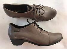 Chaussures lacées Méphisto neuves grises 37,5
