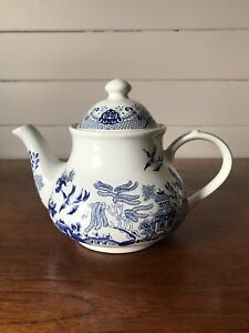 Contemporary Webb Blue Willow Teapot Made In Taiwan
