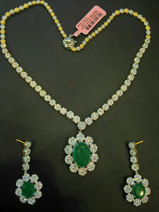 28.50 Cts Round Brilliant Cut Diamonds Emerald Necklace Earrings Set In 14K Gold