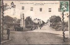 LE POIRE sur VIE (85) - Monument aux Morts et Route de Palluau