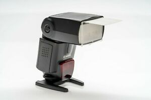 Canon Speedlite 580ex. Comes with original box and case.