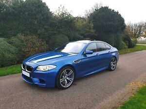 2012 BMW M5 4.4 V8 M DCT - Individual/ FBMWSH/ HUD/ Rev Cam/ Full Loaded !!!