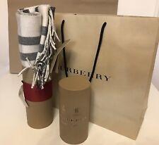 BURBERRY 100% CASHMERE Sciarpa Bianco Naturale 2 di fronte 1 Face è glitterate con un sacchetto
