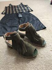 RIVER ISLAND Khaki Green Size 5 Block Heels Suede Sandles Tassels Fringe Blogger