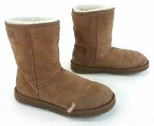 UGG Original Classic Short Sheepskin Lined Boot - Chestnut Size 8 w/ defect