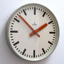 Metal Antique Battery Operated Clocks