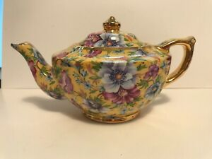 "James Sadler, ""SOPHIE CHINTZ"" Miniature Teapot, 7 oz, Gold Trim, pretty!"