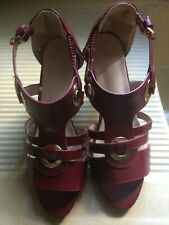 Sandale femme NEUVE talon 8 cm P.39 rouge