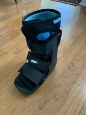 Medical Boot Size S. Form Fit