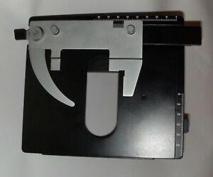 Leitz Mikroskop - Kreuztisch mit Objektführer im Top-Zustand