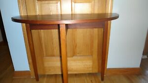 Small Cohassett Colonials Reproduction half-round handcrafted solid maple table