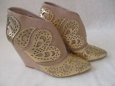 JUNE AMBROSE NUDE/GOLD LEATHER EMBROIDERED WEDGE BOOTS SIZE 9 1/2 M - NEW W BOX