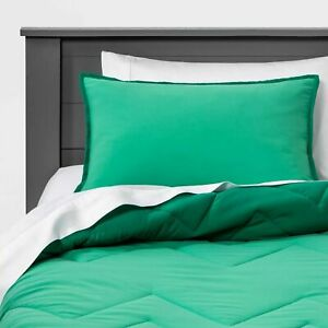 Reversible 2 piece Comforter Set - Pillowfort, Twin, Green