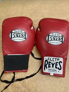 Cleto Reyes Lace Up Hook and Loop Boxing Gloves Small
