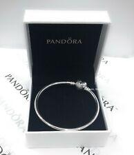PANDORA Womens Sterling Silver Logo Smooth Heart Clasp Bangle
